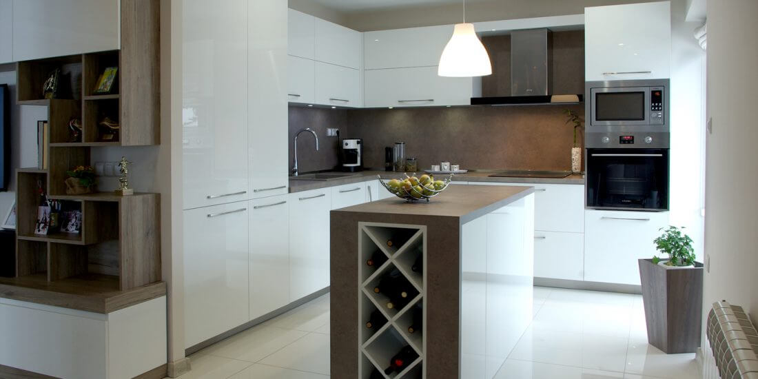 кухня бял гланц