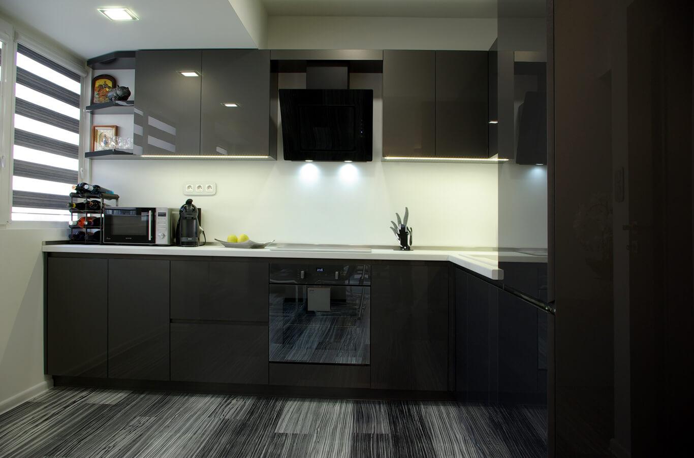 луксозна кухня в черно и бяло