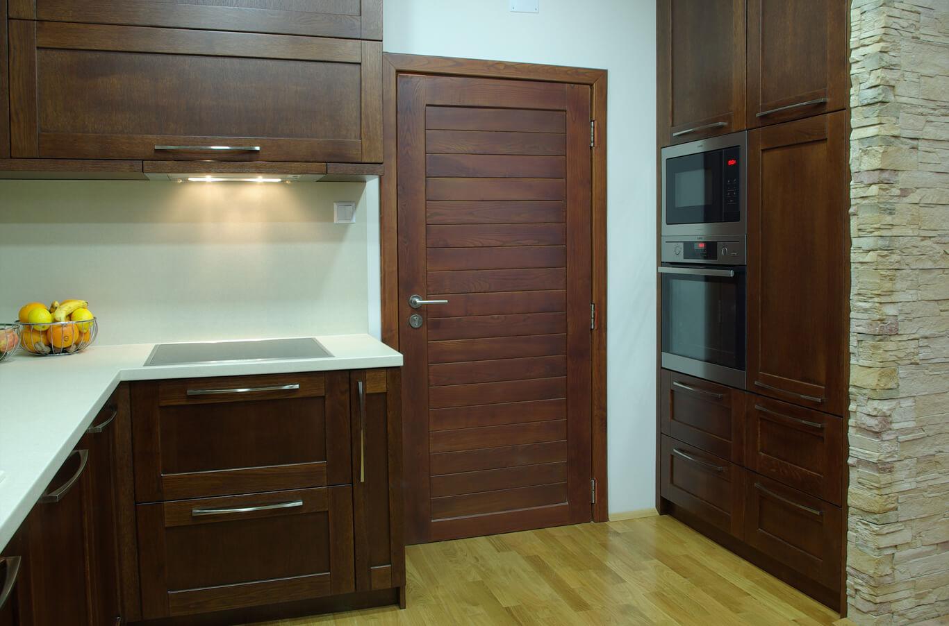 кухненски шкаф с вградена фурна