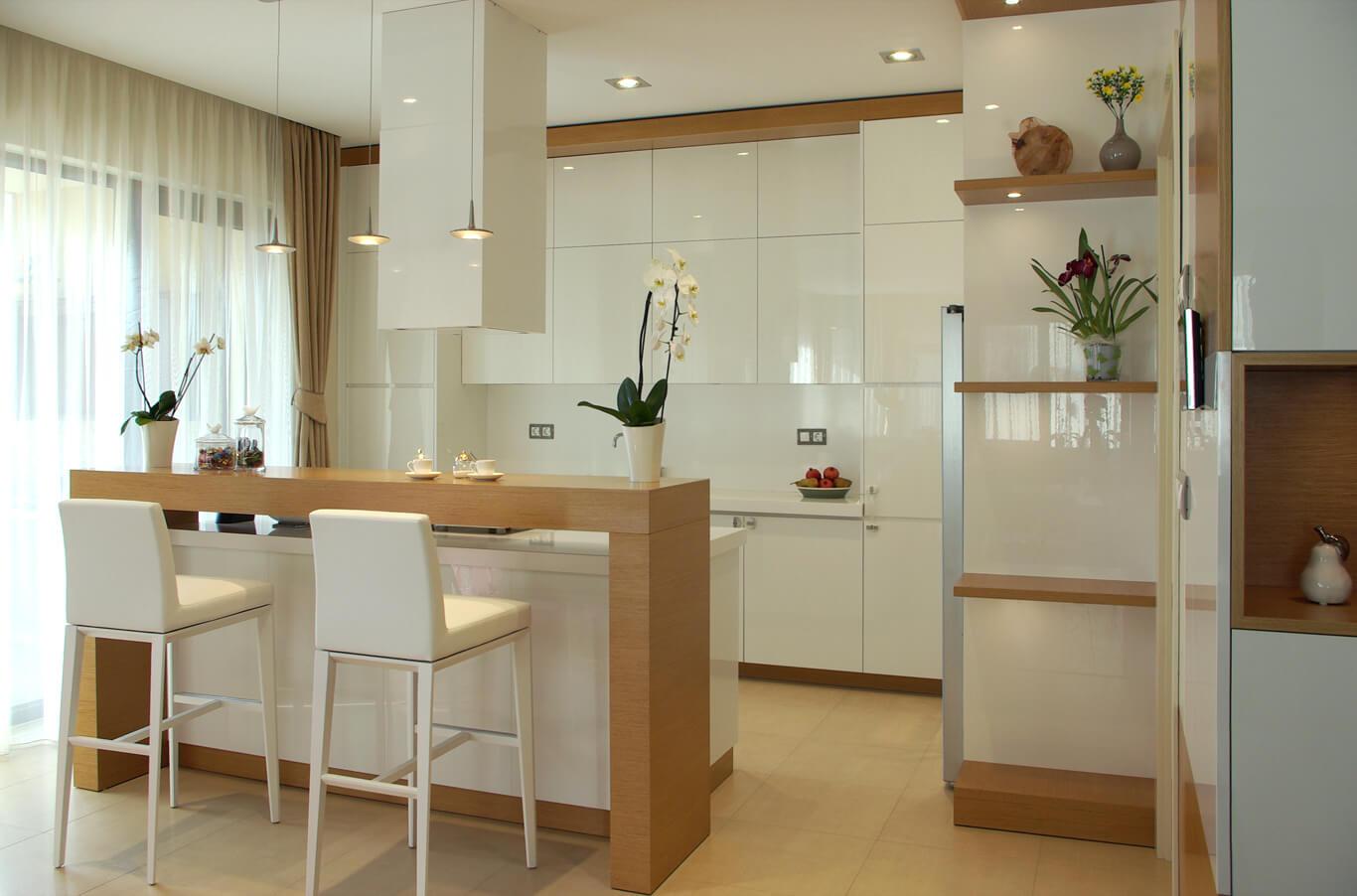 дизайнерска кухня с остров