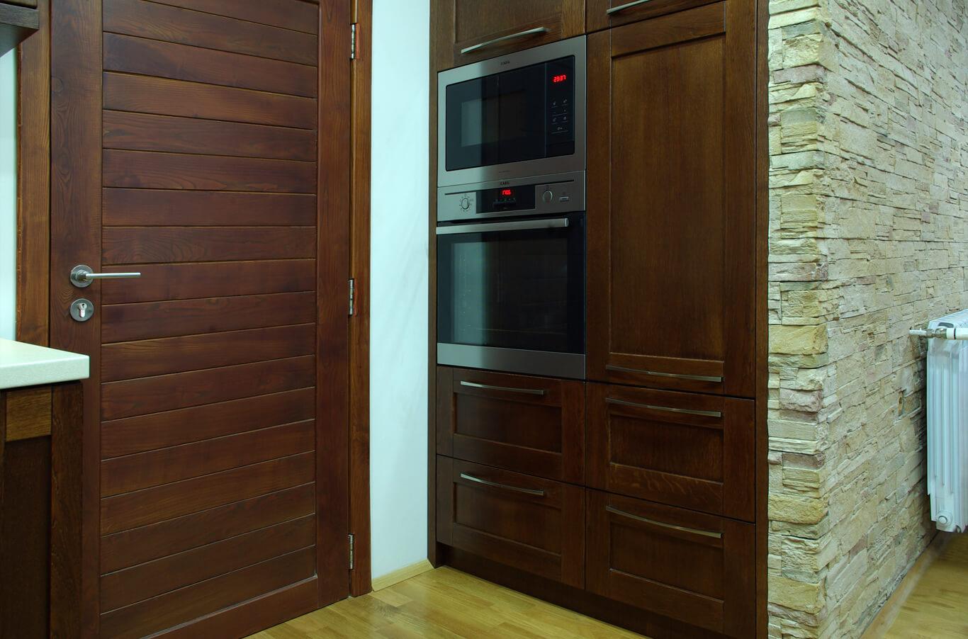 кухненски шкафове от дърво