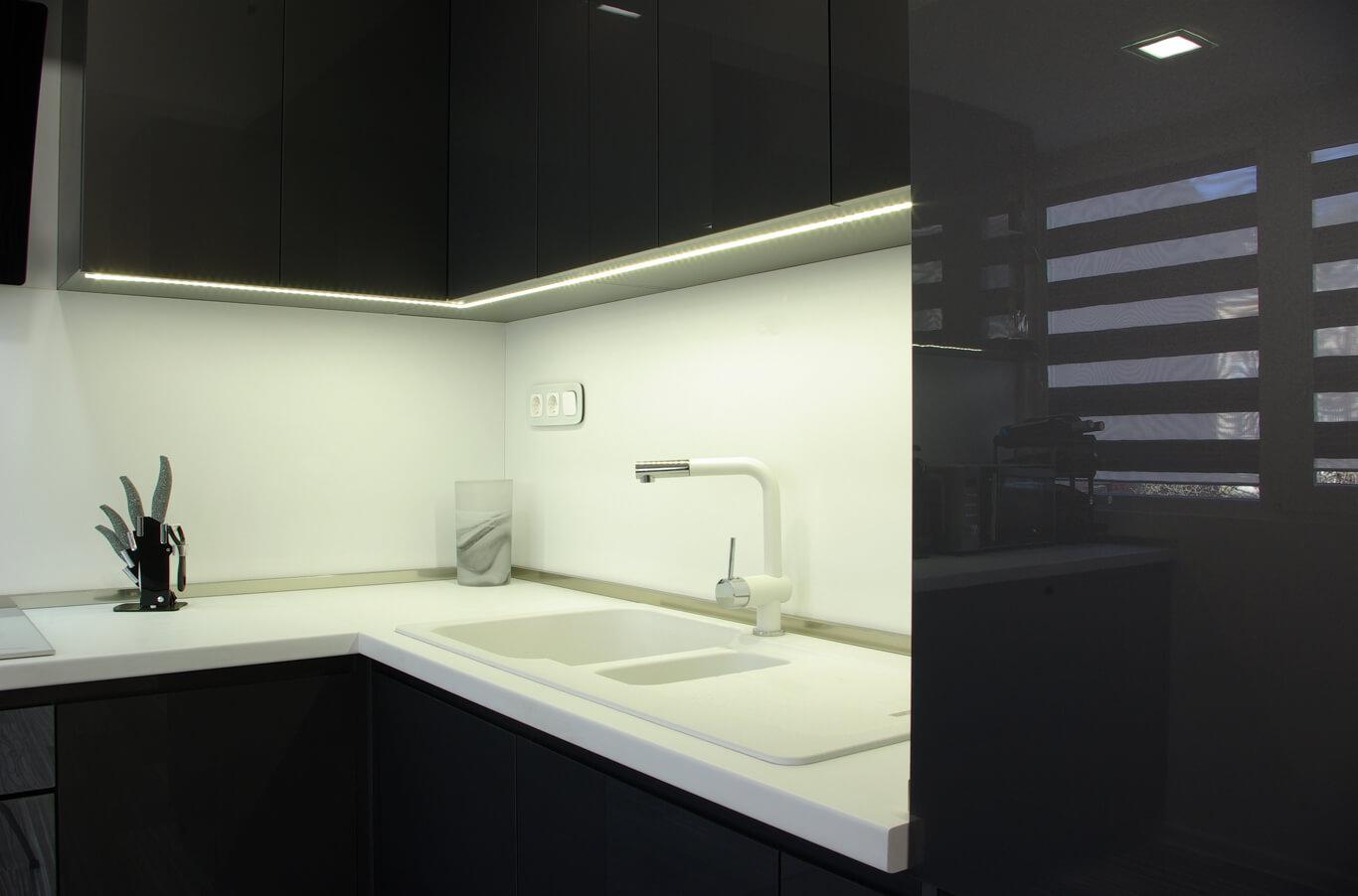 лед осветление за кухни