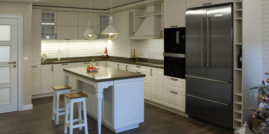 винтидж кухня в бяло