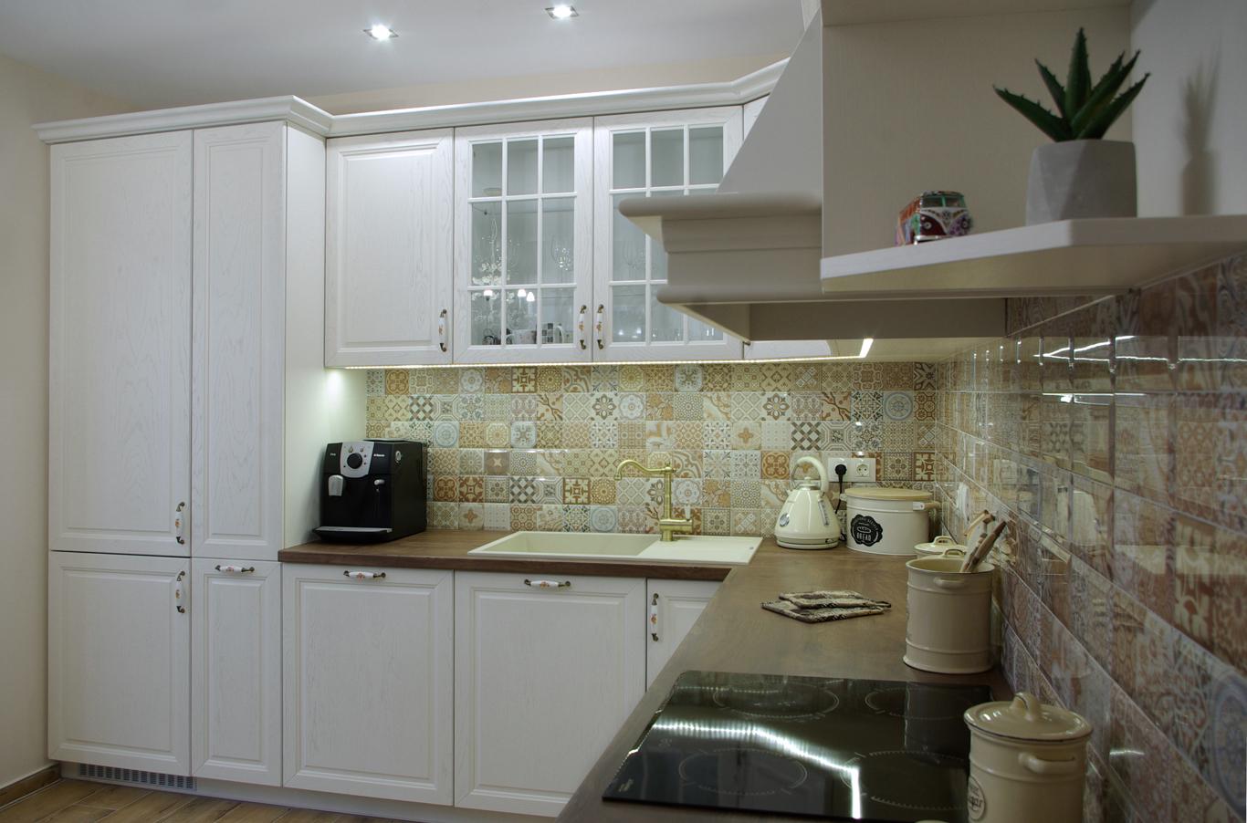 проект на ретро кухня в бяло
